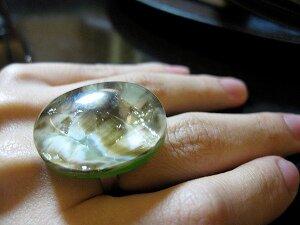 Какой палец выбрать для ношения кольца